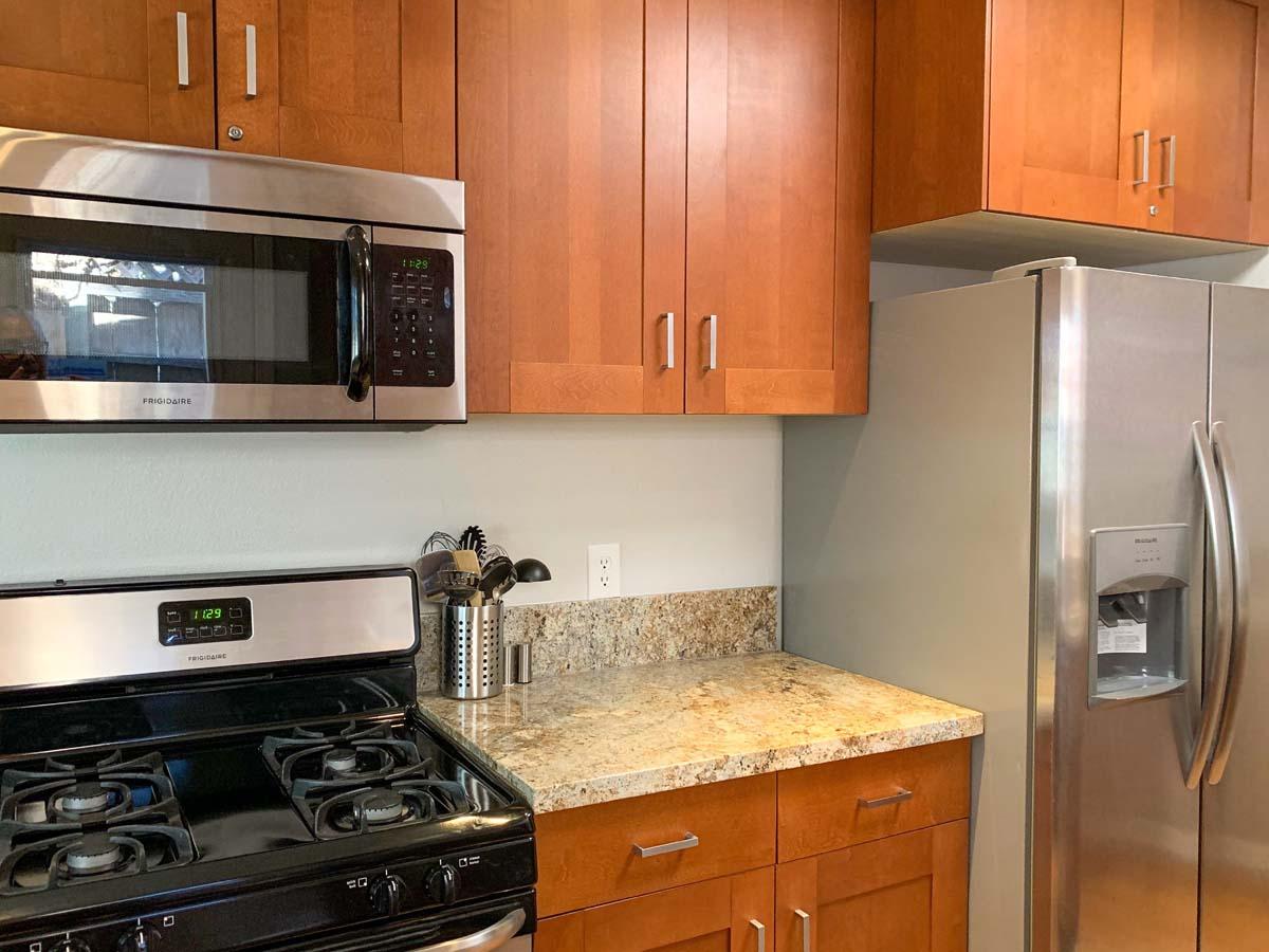 12-stove-fridge