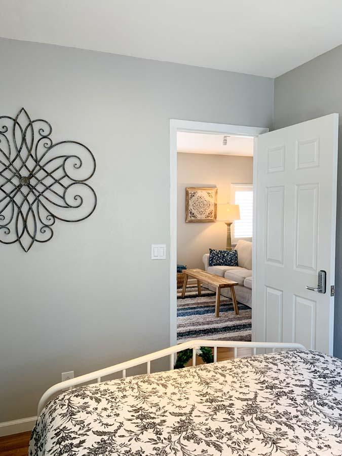 17-Guest-Bedroom